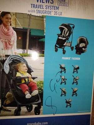 Never before opened* Brand new* Graco Baby Stroller 7 in 1 convertible with Car Seat* for Sale in Chicago, IL