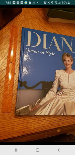 Peoria az Diana Queen of Style book hardcover please read description for pick up location options princess for Sale in Peoria, AZ