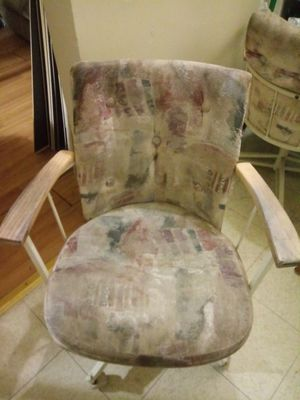 White rolling chair for Sale in Fresno, CA