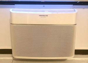 Frigidaire gallery smart ac 8000 BTU for Sale in Queens, NY
