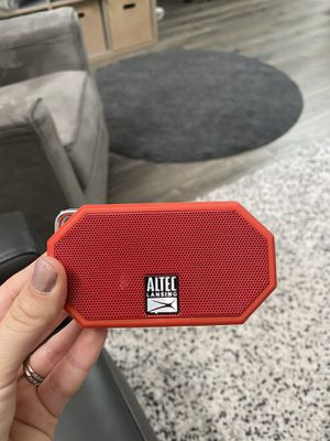 Bluetooth speaker for Sale in Clearwater, FL