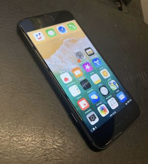 Factory Unlocked IPhone 8 64GB Verizon Mint Condition Clean IMEI for Sale in Queens, NY