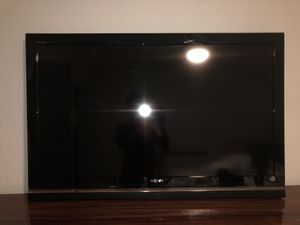 Sony plasma screen TV with PlayStation 4 for Sale in Hallandale Beach, FL