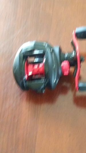 Black max bait caster fishing reel for Sale in Tampa, FL