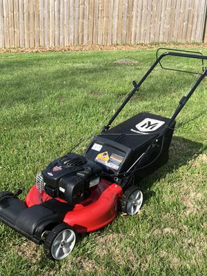 "Yard machines 21"" MTD with bag self propelled lawn mower in good working condition. for Sale in Shawnee, KS"