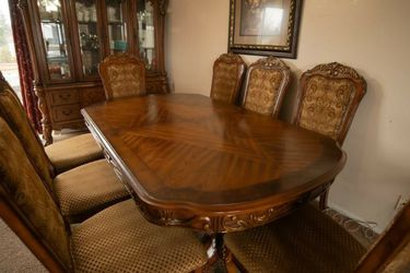 Used Dining Table Set for Sale in Lynnwood,  WA