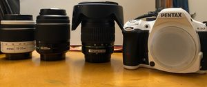Gently used perfect condition PENTAX K-50 plus 3 lenses and a bag( 12-24mm wide angle included) for Sale in Irvine, CA
