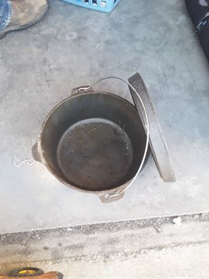Cast Iron Pot for Sale in Tennerton, WV