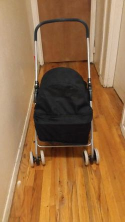 Dog stroller. for Sale in New York,  NY