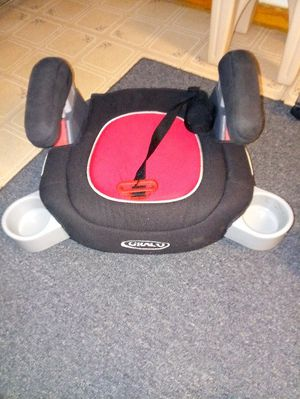 Craco car booster with 2side cup holders very clean good condition for Sale in Philadelphia, PA