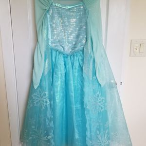 Elsa Gown, Size 10 for Sale in Everett, WA