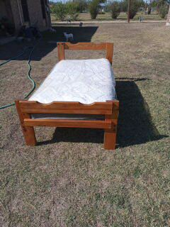 Twin bed for Sale in Grape Creek, TX