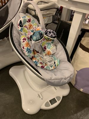 4Moms Mamaroo Glider Swing for Sale in Normandy Park, WA