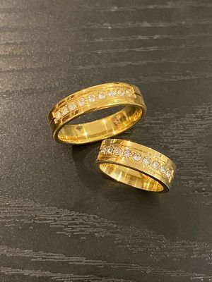 18K Gold plated Matching Ring Set - Round Cut Diamonds for Sale in Miami, FL