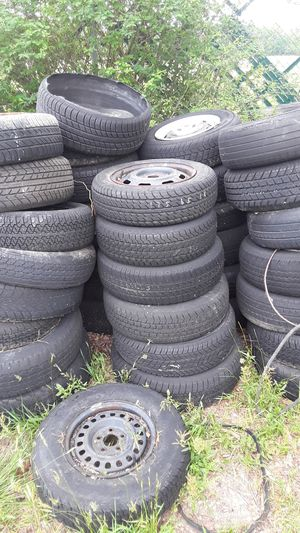 Free tires and rims for Sale in Erial, NJ