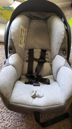 Maxi cozi car seat have the infant head rest an the little booster if their small .. Smoke free home and animal free home for Sale in Lancaster, PA