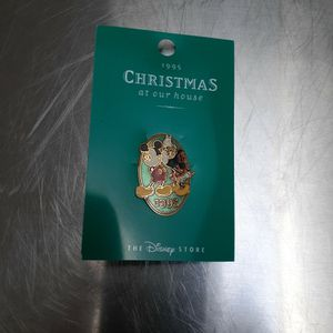 1995 DISNEY CHRISTMAS PIN for Sale in East Islip, NY