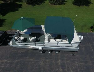 💥💥2006 Manitou Legacy Pontoon Boat and Trailer💥💥 for Sale in Phoenix, AZ