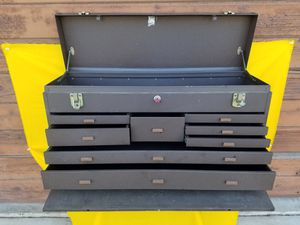 KENNEDY METAL TOOL BOX MACHINIST 8 DRAWER for Sale in San Dimas, CA