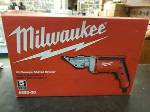 Milwaukee 6.8 Amp 18-Gauge Shear for Sale in Stickney, IL