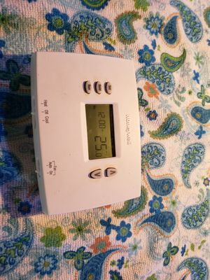 Honey well thermostat for Sale in Easley, SC