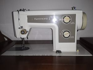 1971 Kenmore sewing machine in solid oak cabinet for Sale in Kolin, LA