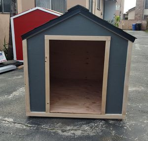 LARGE DOG HOUSE!!! for Sale in Los Angeles, CA