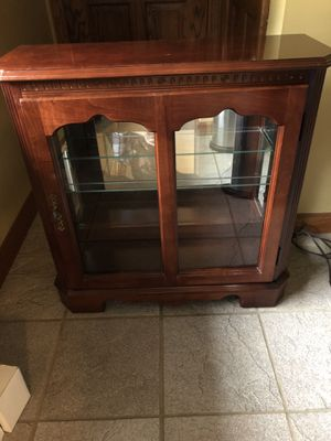 Curio Cabinet for Sale in Saint Clairsville, OH