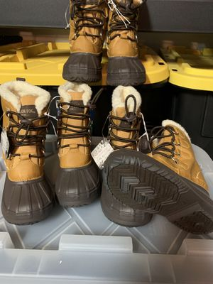 London Fog kids snow boots for Sale in San Bernardino, CA