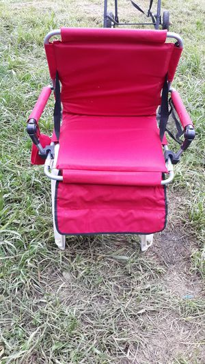 Stadium style seat brand new only used 1 time at skagit races dont need no more $20 call {contact info removed} pick up in concrete or can meet for Sale in Concrete, WA