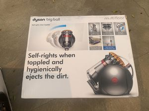Dyson Big Ball Vacuum Cleaner for Sale in Los Angeles, CA