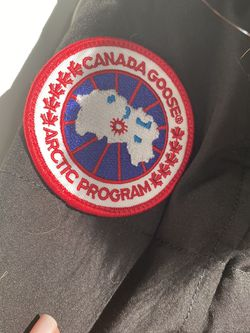 Canada Goose Size M for Sale in Chicago,  IL