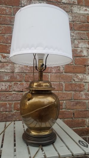 VINTAGE BRONZE LAMP for Sale in Houston, TX
