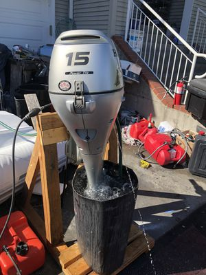 2013 Honda 15hp 4 strokes power trim for Sale in Seattle, WA