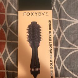 Black Blowout Dryer Brush for Sale in Cashmere,  WA