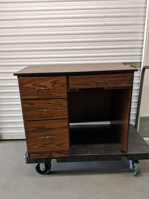 Small Desk for Sale in Vista, CA