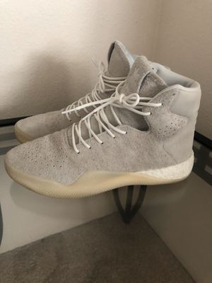 Mens Adidas Tubular Size 10.5 for Sale in Glendale, CO
