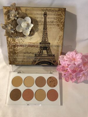 NEW palette GODDESS BY MANNA KADAR Beauty Palette CHISEL ME 8 Face Powders for Sale in Hacienda Heights, CA