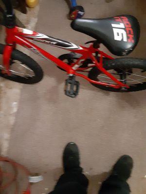 Red huffy bike for Sale in Detroit, MI