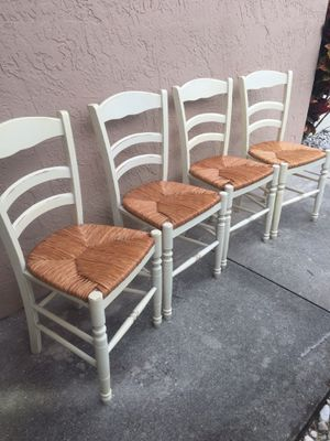 (4) Kitchen dining table chairs 17x15 height to seat 19 for Sale in Fort Lauderdale, FL