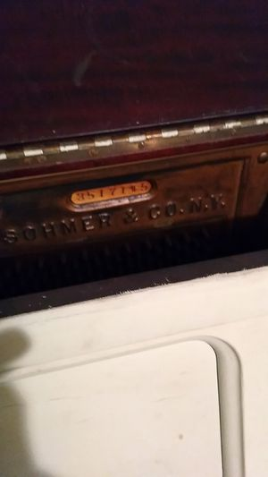 Old piano for Sale in Chillum, MD