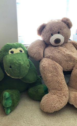 giant bear and alligator stuffed animals 10 each for Sale in Wood Village, OR