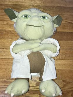 "Star Wars Master Yoda Plush 18"" Disney Store stuffed animal plushie Doll for Sale in French Creek,  WV"