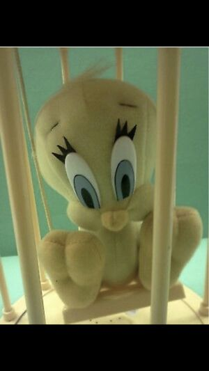 Rare - 1998 Vintage Looney Toons - Tweety Bird -Plush In Bird Cage, Motion Sensor, Talks for Sale in San Jacinto, CA