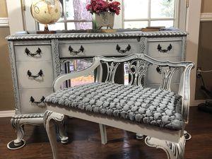 Desk Vanity Dresser Storage Bench Seat Vintage Elegant Delivery for Sale in Kent, WA