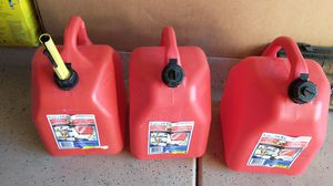 5 gallon gas cans for Sale in Winchester, CA
