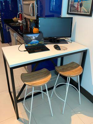 Black and white countertop table or desk for Sale in Miami, FL