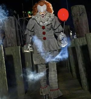 6.5ft Pennywise IT Anamatronic figure new sealed for Sale in Livermore, CA