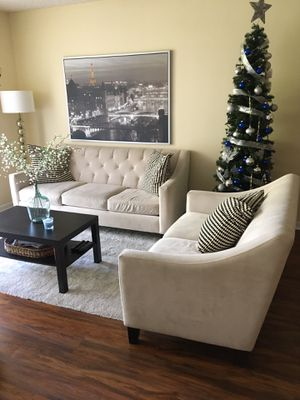 Selling couch & loveseat ASAP for Sale in Miami Lakes, FL