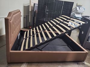 Queen Size Storage Bed Frame for Sale in Garden Grove, CA